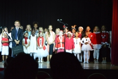 International-School-Christmas-Show-2015-17