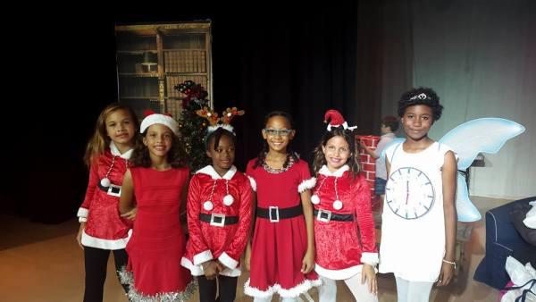 International-School-Christmas-Show-2015-13-e1449860047665